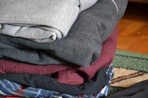 organizar ropa para una mudanza guardamuebles baratos en madrid